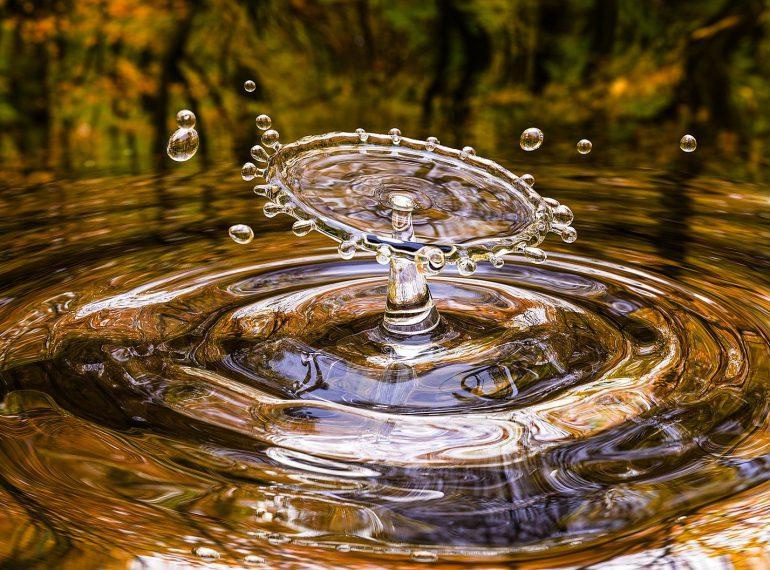 kropa wody Coffee Journey